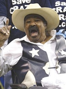 "Wilford ""Crazy Ray"" Jones, appearing in a wheelchair for one of his final Cowboys games."